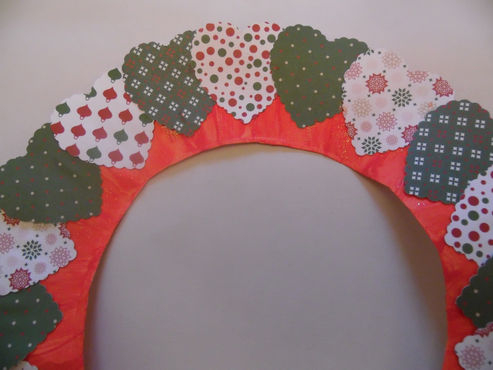 Christmas heart wreath (2/4)